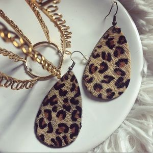 Jewelry - ✨NEW✨ teardrop leopard print earrings